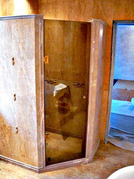 Одностворчатые стеклянные двери для душа. Купить двери для душа из стекла изготовленные на заказ